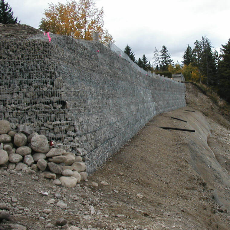 Retaining Walls / Gabions: